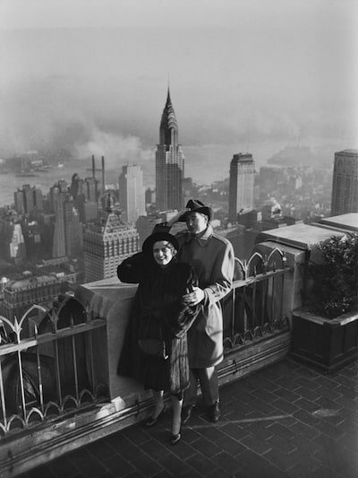 Ayn Rand and Frank O'Connor on the roof of the Rockefeller Center.